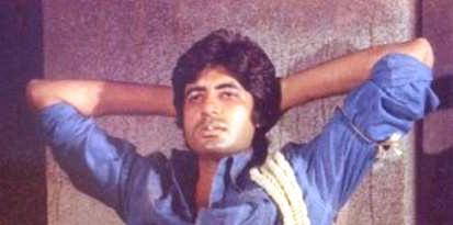 Amitabh-Bachchan-in-Deewar