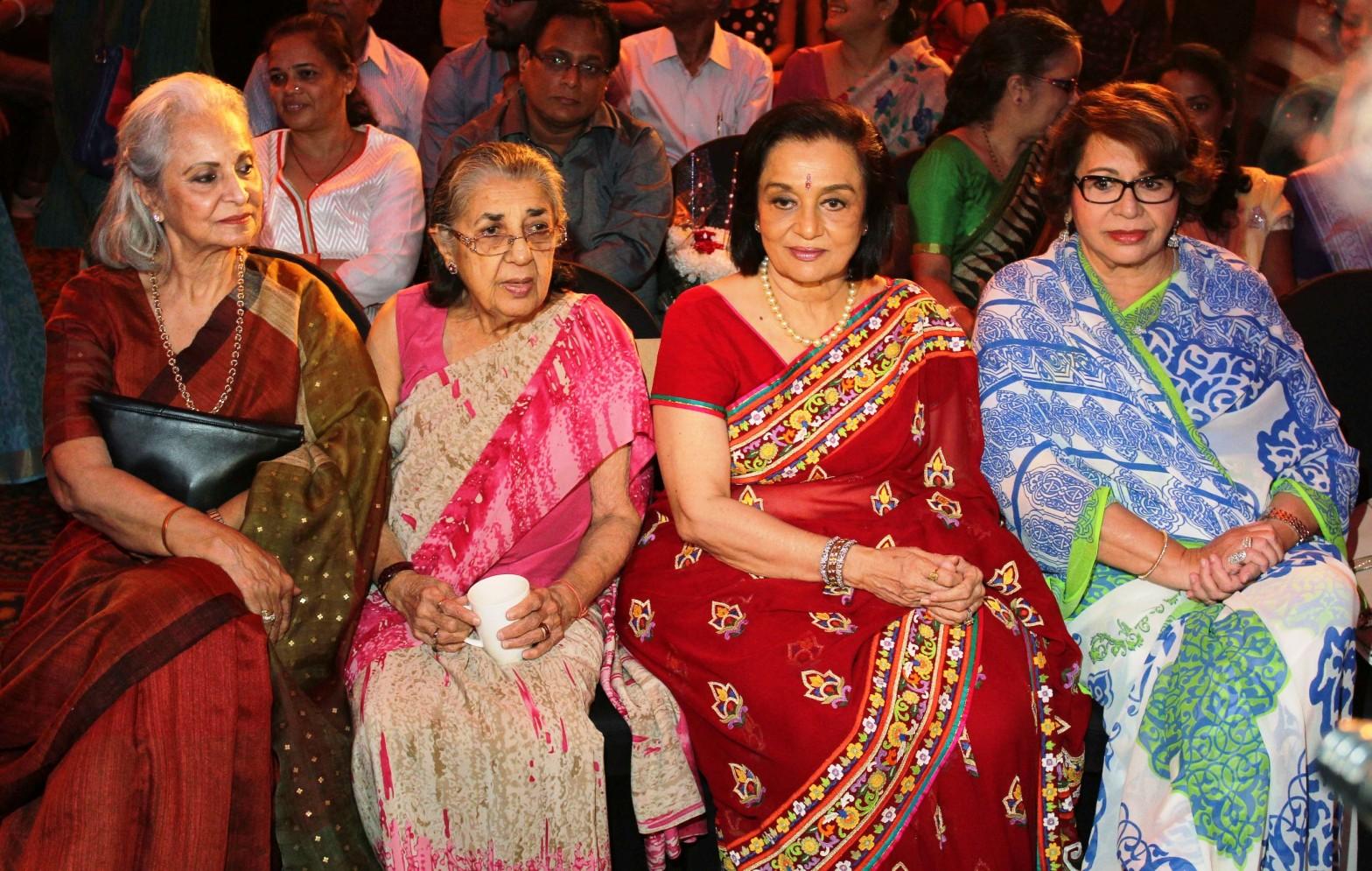 Waheeda Rehman, Shammi ji, Asha Parekh and Helen at Asha Parekh's hand impression tile launch for UTV STARS WALK OF THE STARS