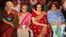 Waheeda Rehman, Shammi ji, Asha Parekh and Helen at Asha Parekh's hand impression tile launch for UTV STARS WALK OF THE STARS