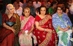 UTV Stars' 'Walk Of The Stars' Honours Yesteryear's Beauty, Asha Parekh