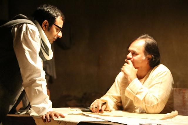 Children of War-Farooque Shaikh and Joy Sengupta