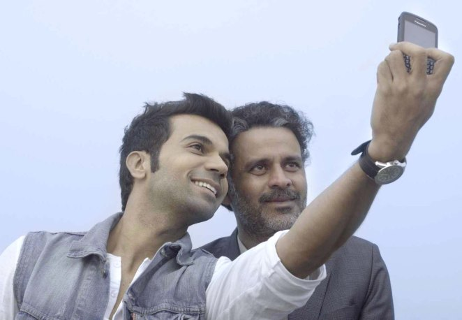 A-still-from-the-film-Aligarh1