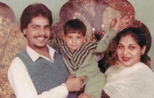 Amar-Singh-Chamkila-With-Family-600x383